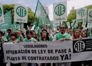 Media sanción para el pase a planta de 3315 trabajadores