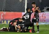 Con una goleada ante Racing, Colón se coronó Campeón